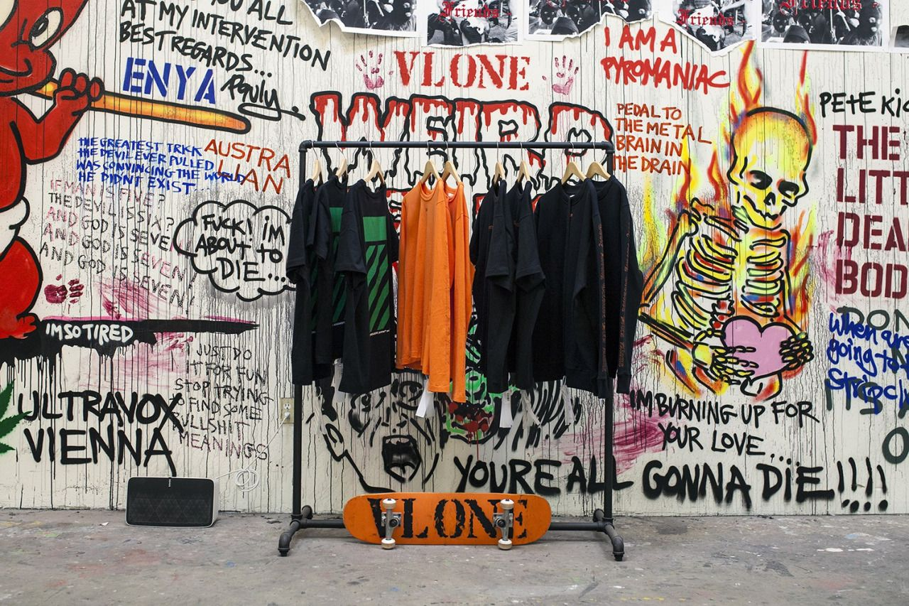44b028f62a40a8 hypebeast  A Closer Look at VLONE s LA Pop-Up and Collaborations Visual  overload.