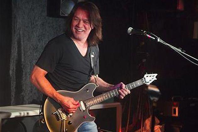 Eddie Van Halen é eleito o maior guitarrista de todos os tempos pela revista norte-americana Guitar Word.