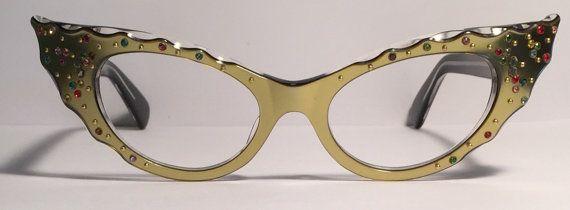 Vintage eyewear. Cat eye style. Made in by EyerayVintageSpecs