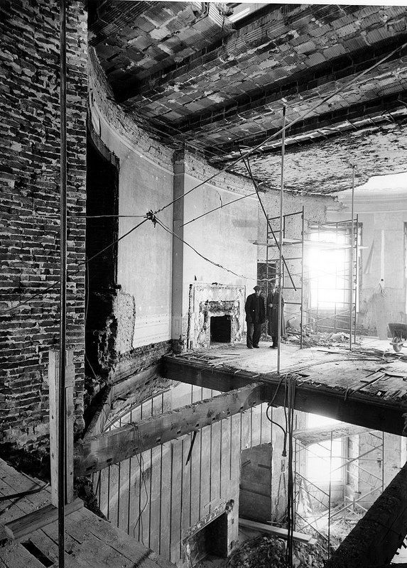 Inside a totally gutted White House - in the late 1940s ... 1940s White House Scottie