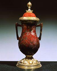 Tesoro dei medici lorenzo il magnifico vaso con due for Vaso greco a due anse