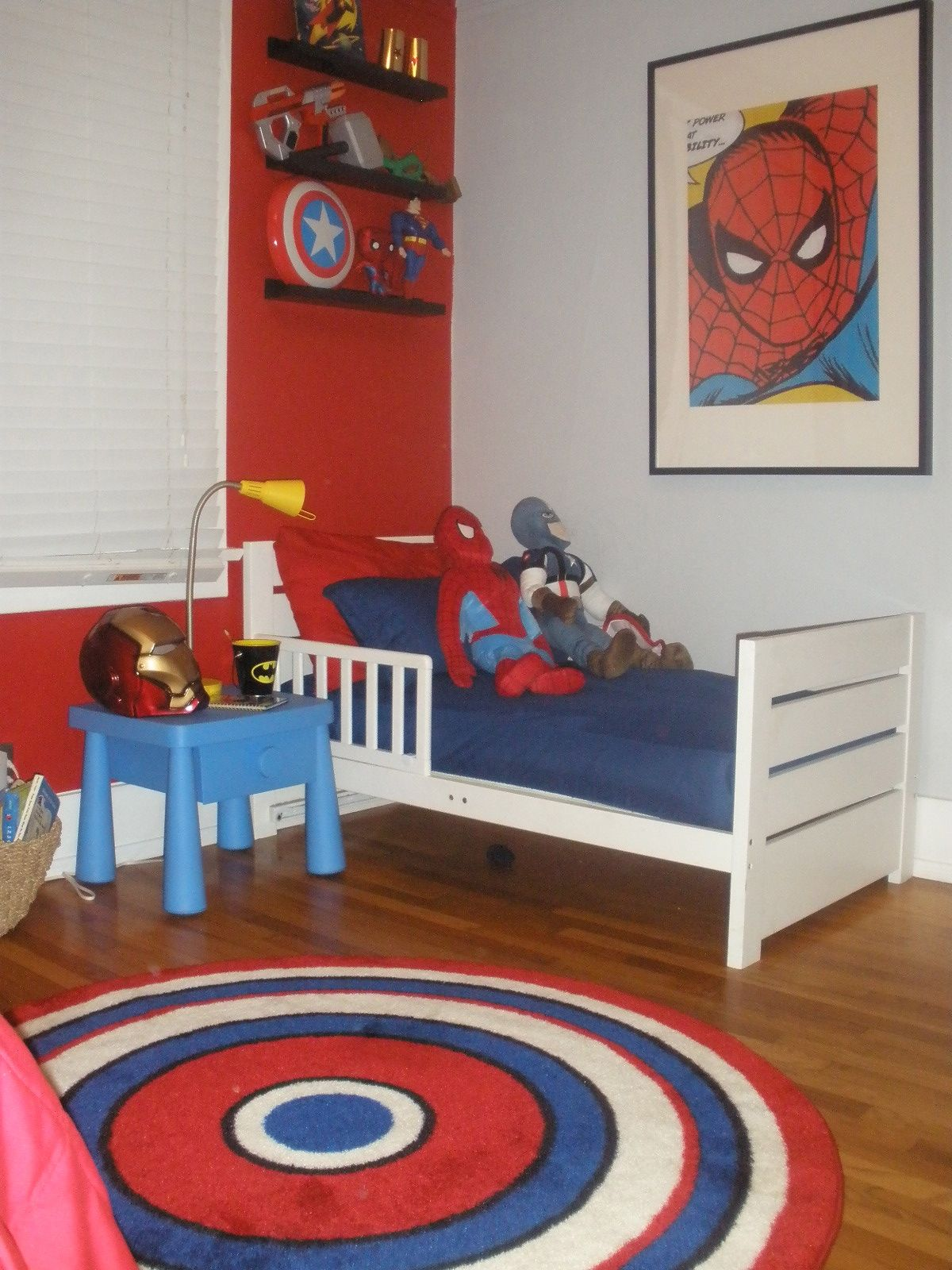 Boys Superhero Bedroom: Could Try To Paint A Captain