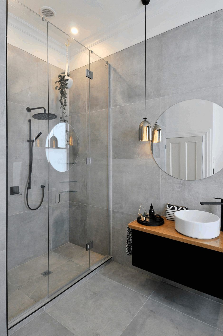 Gray Bathroom Ideas Obtain Inspired With These Gray Bathroom Enhancing Ideas Graybathroom Modern Bathroom Design Modern Bathroom Bathroom Interior Design