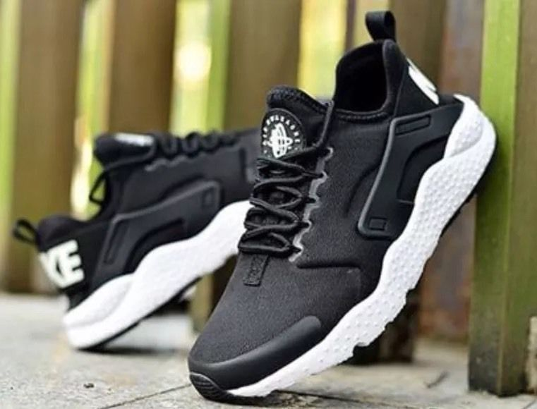 NIKE AIR HUARACHE Black And White 819151001 Online
