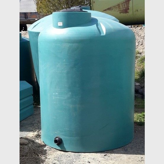 New Vertical Polyethylene Tank Supplier New 2000 Gallon Vertical Water Tank For Sale Savona Equipment Storage Tank Water Tank Storage Tanks