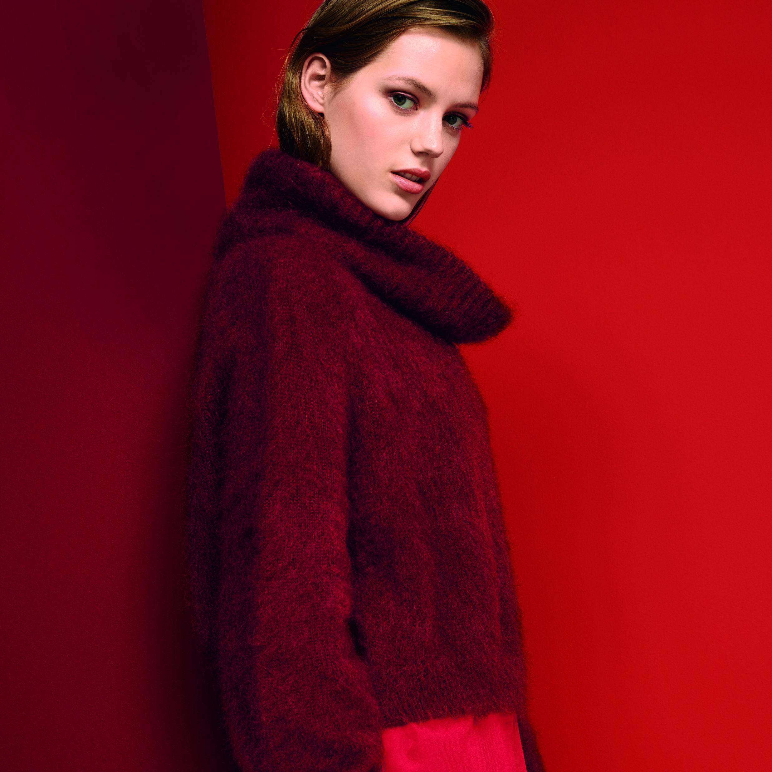 Rot ist die Trendfarbe des Winters. Colour-Blocking für Mutige, von Rosarot bis Rostrot stehen hoch im Kurs und peppen Looks in gedeckten Tönen auf. Das sind die Farbkombinationen der Saison.