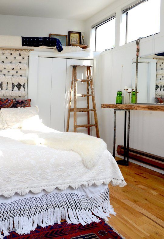 5 Tiny Bedroom Tips Easy To Do Stylish Ideas Apartment Therapy