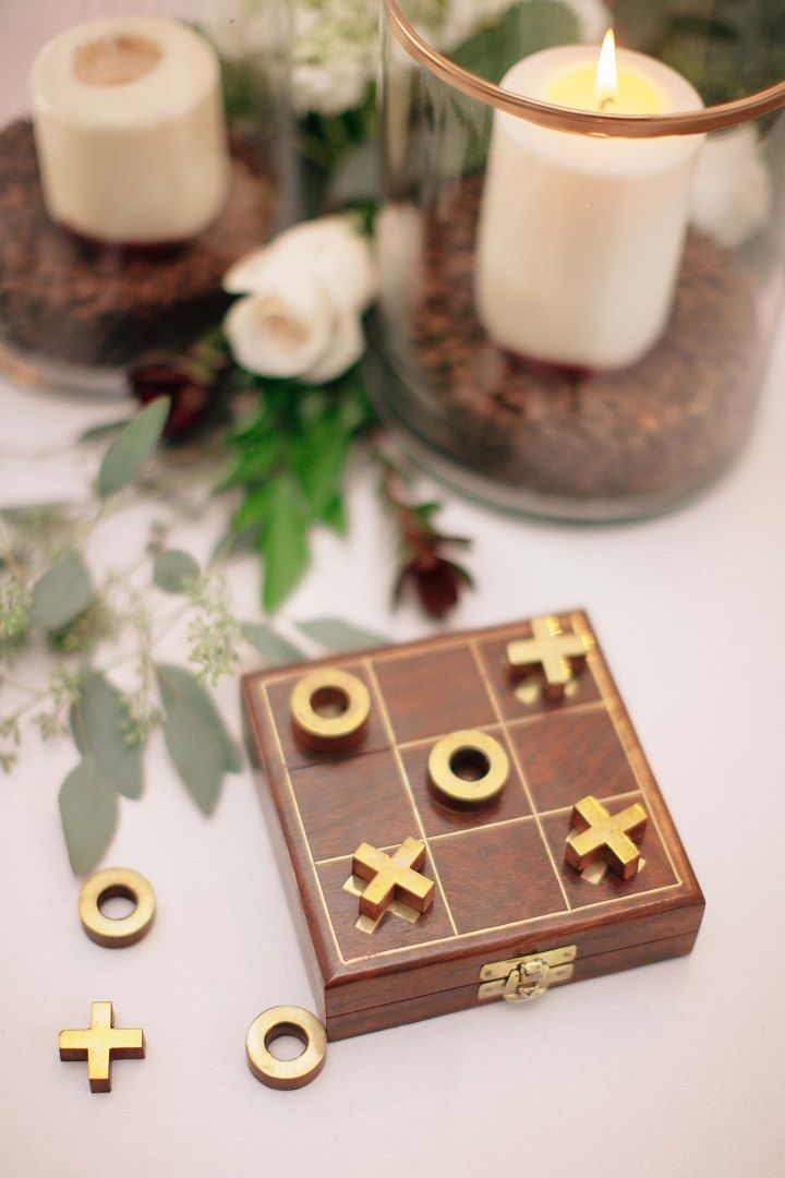 XOXO wedding table decor