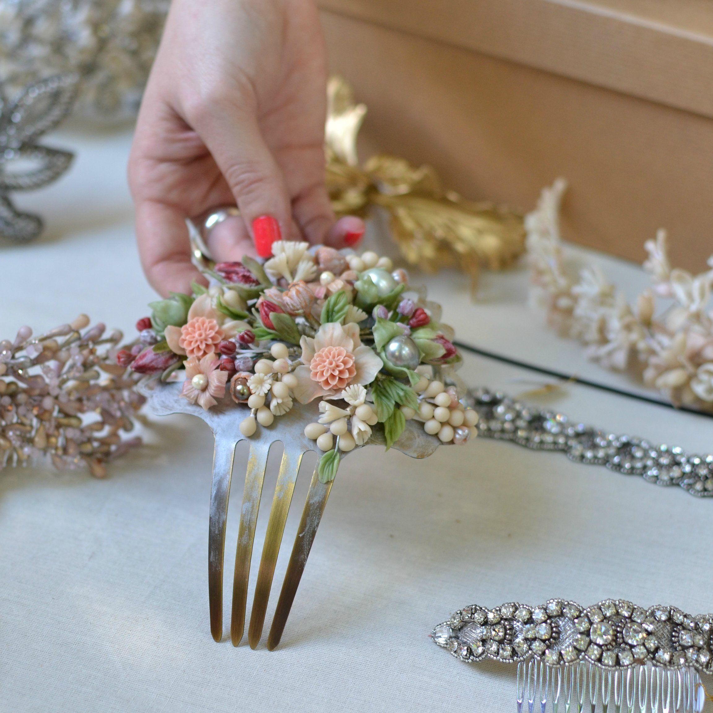 Tocado floral hecho a mano en porcelana fr a para novias o for Hecho a mano
