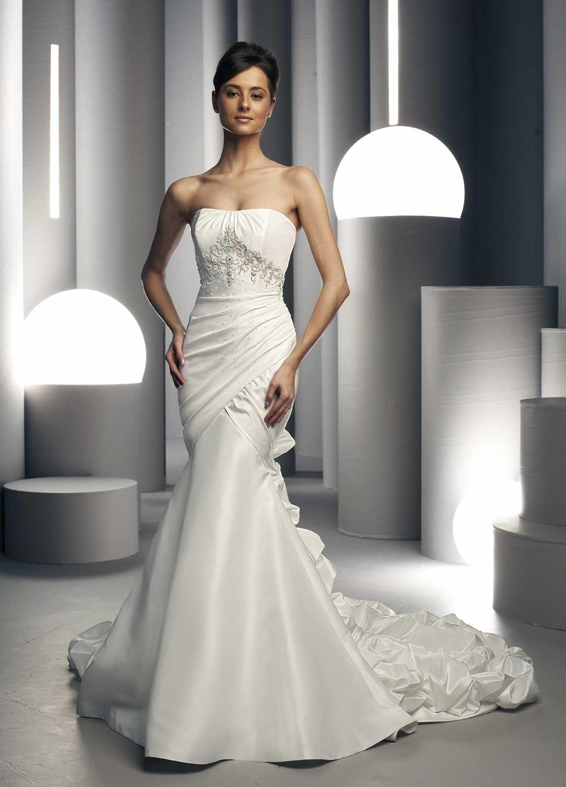 White Wedding Dresses | White Bridal's Dresses Designs | long ...