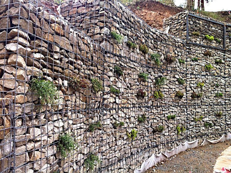 gaviones decorativos bali piedra natural gavion rojo Muro de gaviones + plantación