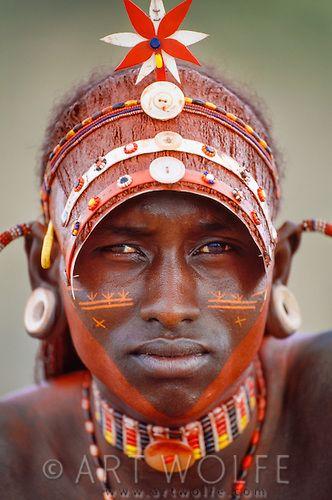 In Kenya, Massai women make jewelry to declare their love