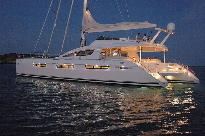 Katamaran segeln luxus  nothing smoother than a 4 bedroom/4 bath cat for smooth sailing ...