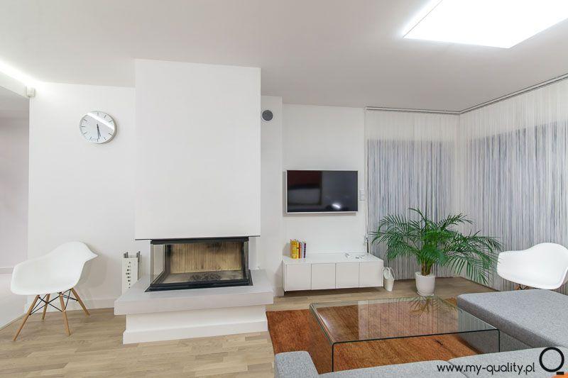 Nowoczesny Salon Z Panoramicznym Kominkiem Home Decor Home Decor