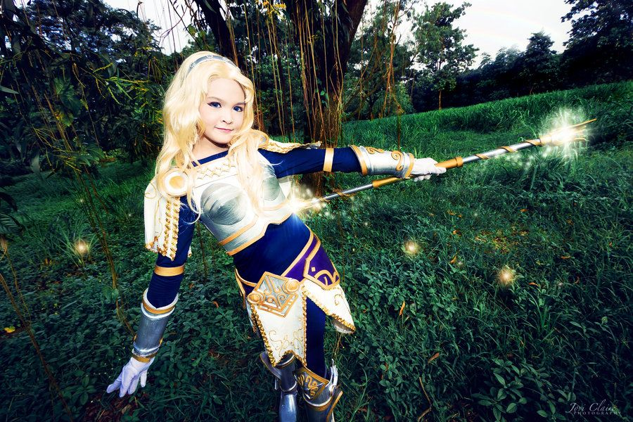 Lux - League of Legends cosplay by Yuukiq on DeviantArt