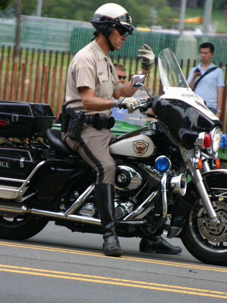 10.NPMR.WDC.14jul07 Men in uniform, Hot cops, Police