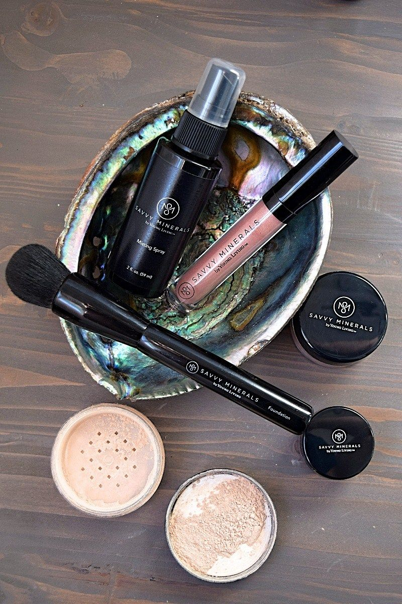 The Savvy Minerals Makeup kit from Young Living Chemical