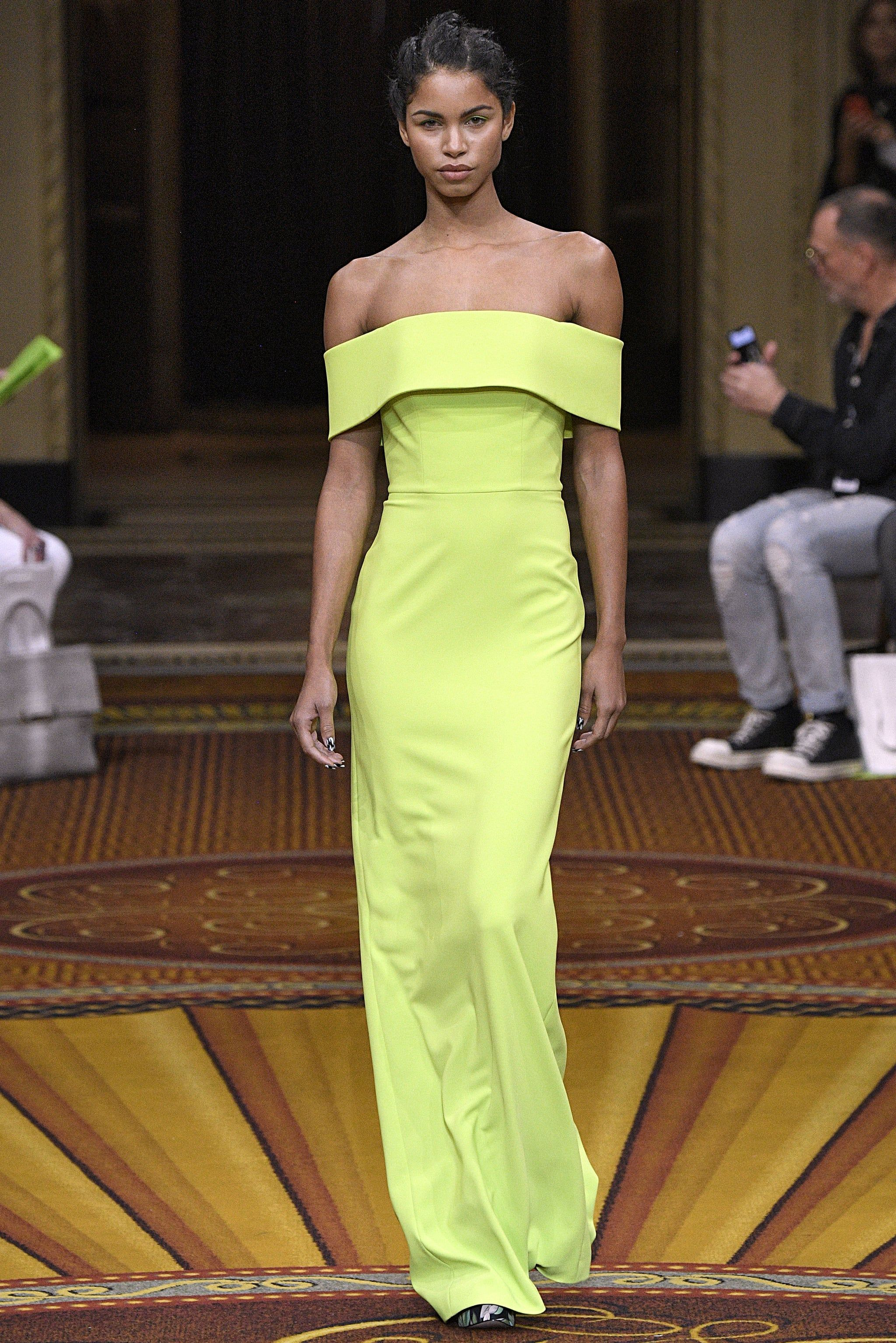 df92e22d Kendall Jenner Green Christian Siriano Dress Christmas 2018 - Sam's Great  deals