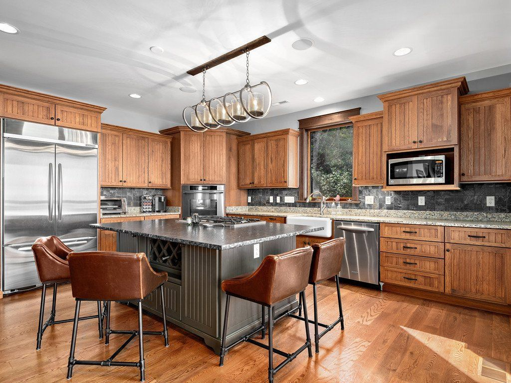 Address Hidden In Mls 3472084 Hickory Kitchen Cabinets Hickory Cabinets Kitchen Design
