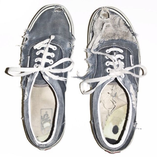 Glad my Vans aren t the only ones getting messed up lol Old Shoes 727e5048662
