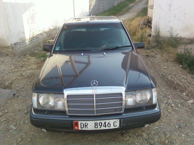 Durres, shitet MERCEDES-BENZ 250 1988 - 2000 Leke   Qindra makina ne