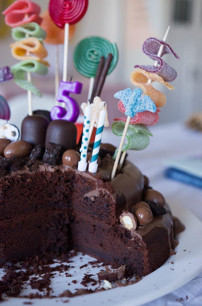 Schokokuchen zum Geburtstag - Easy Peasy Candy Cake