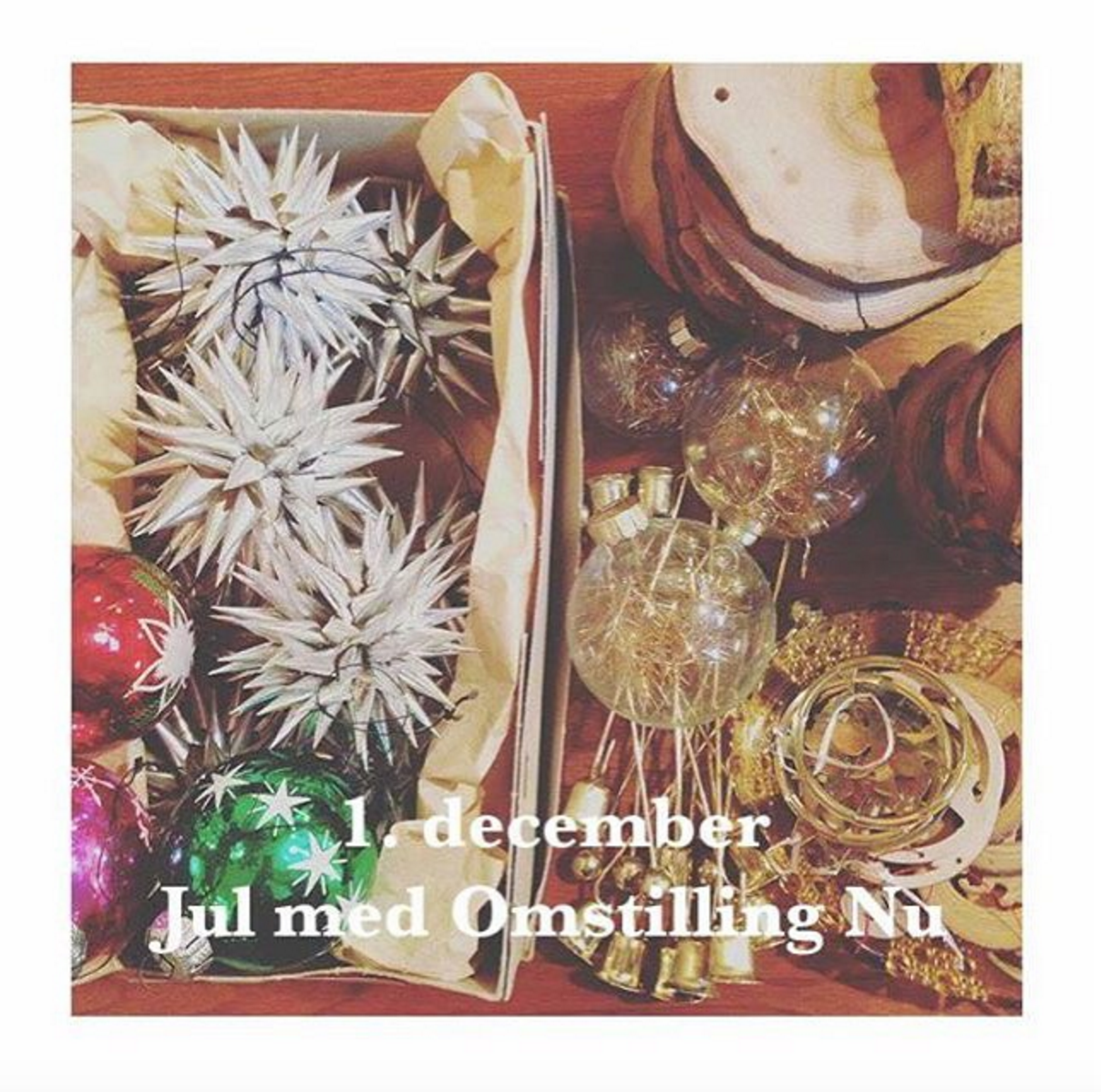 Mangler du pynt til juletræet? Gør julen bæredygtig og find vintage julepynten i dine lokale grenbrugs og antik butikker.  @oldkbh @aestetikken Find your vintage Christmas deco in your local second-hand shops.  #cirkulærøkonomi #sustainablechristmas #bæredygtigjul #reusereducerecycle #recycle #genbrug #vintagechristmas #secondhandchristmas #christmasdeco #julmedomstillingnu #ecofriendlychristmas #grønjulekalender