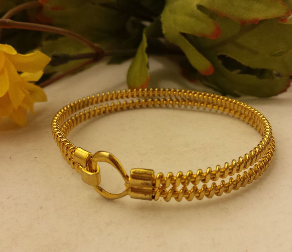 VTG 14k Gold GP Bangle Bracelet Designer Fashion Golden Twist
