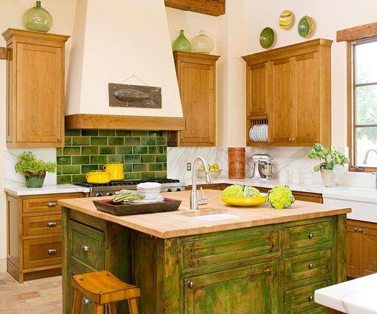 grüne Küche Landhausstil Wandfliesen Kochinsel Holz Einrichten - kche mit kochinsel landhausstil