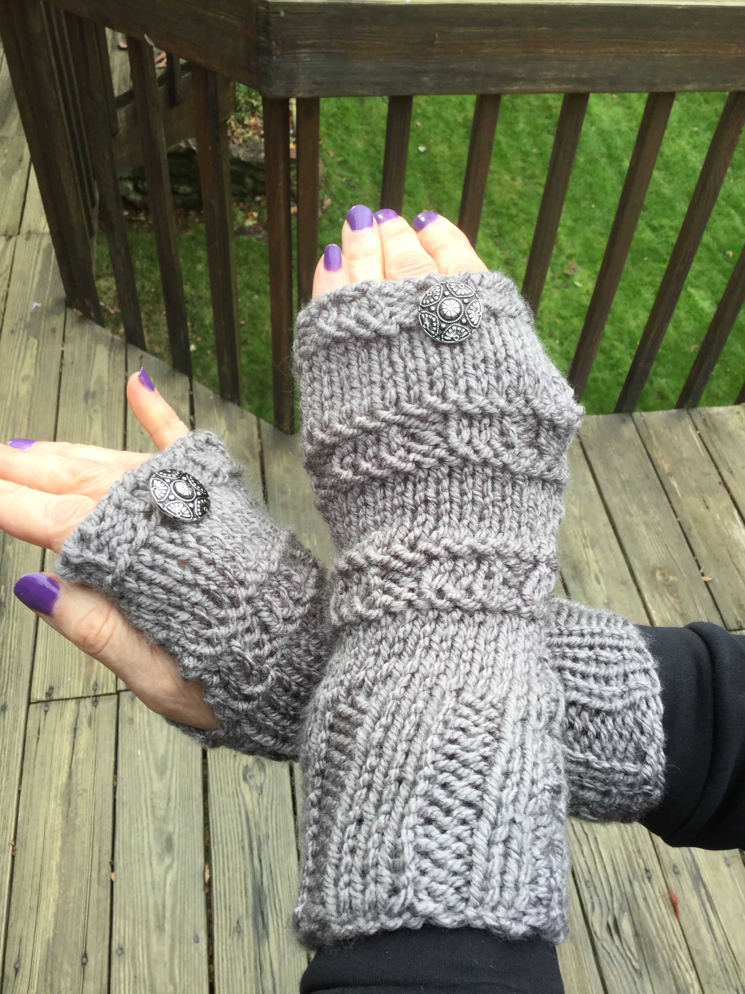 Bulky knit fingerless gloves free pattern. Please visit me at http ...
