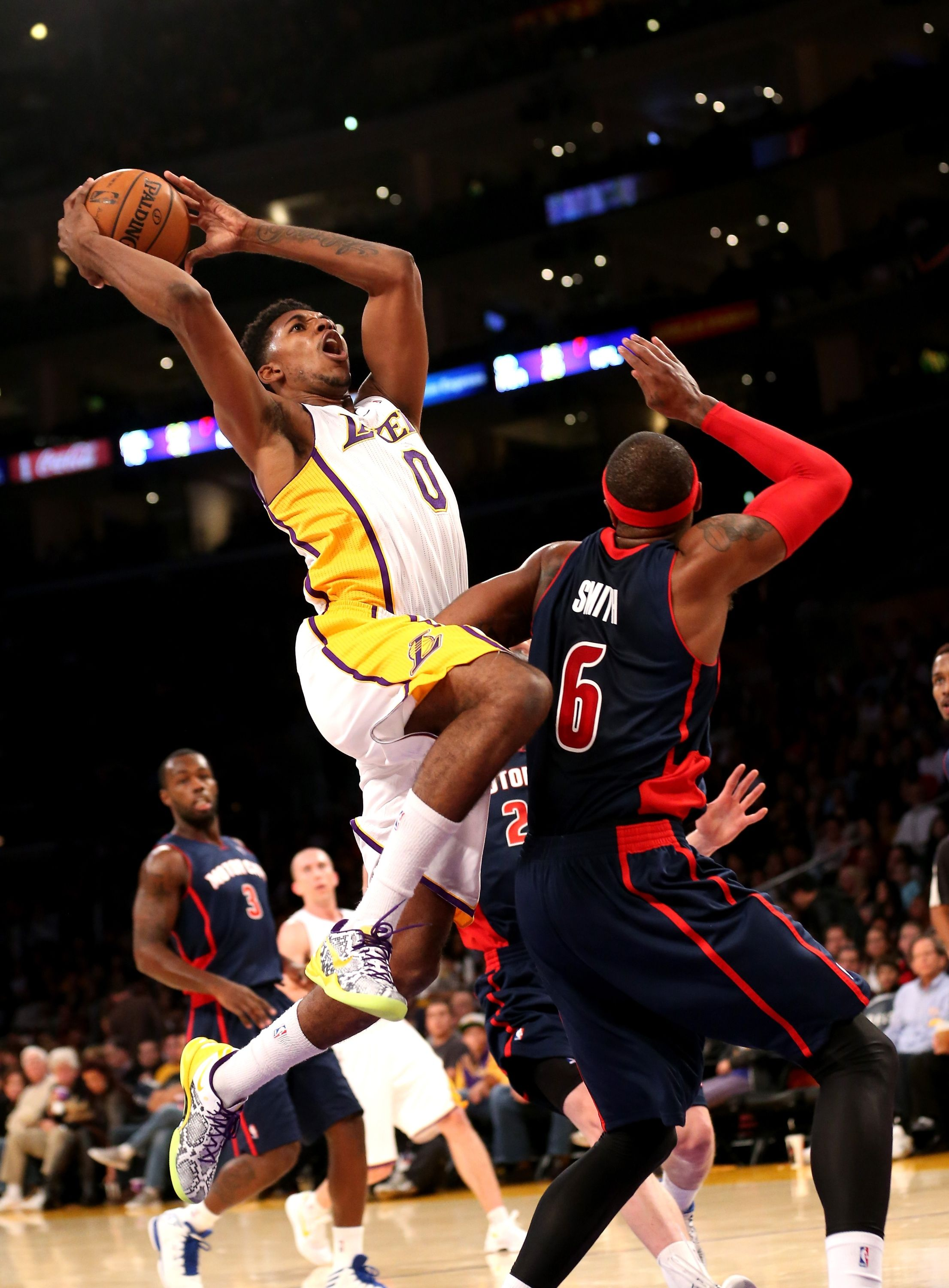Los Angeles Ca November 17 Nick Young 0 Of The Los Angeles Lakers Goes Up For A Shot Ov Los Angeles Lakers Basketball Lakers Basketball Los Angeles Lakers