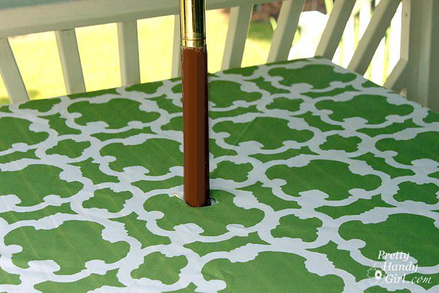 No Sew Patio Tablecloth With An Umbrella Hole From Brittany At Pretty Handy Shows You How To Uses Double Sided Fusible Tape And A Product That Stops