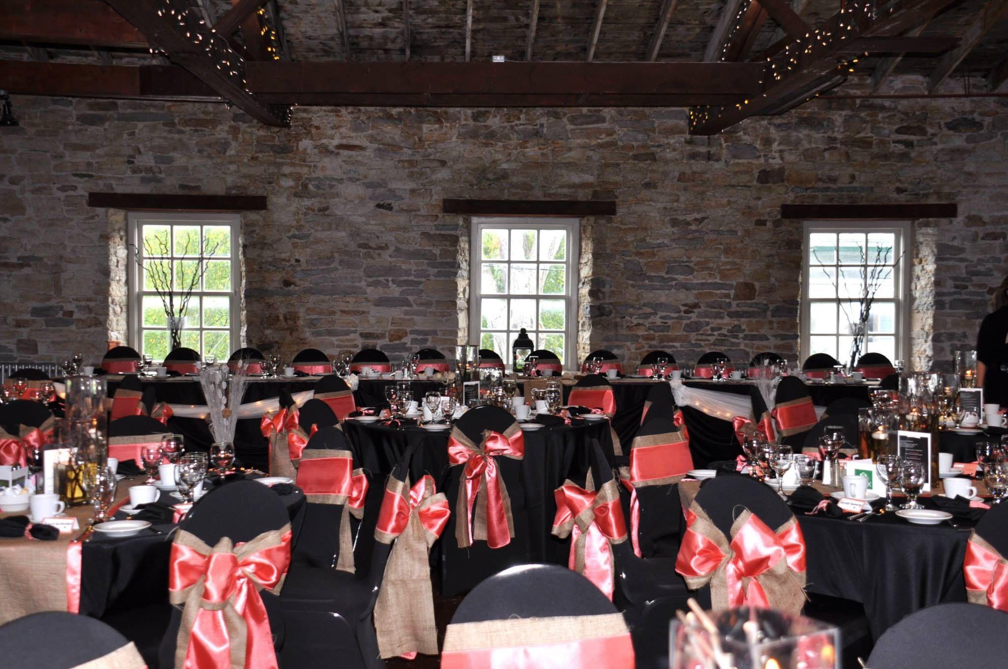 Country modern wedding decor