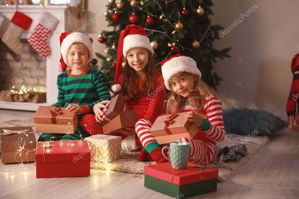 Cute Little Children With Christmas Gifts At Home Stock Photo Sponsored Christmas Children Cute Gifts Ad In 2020 Christmas Gifts Christmas Stock Photos