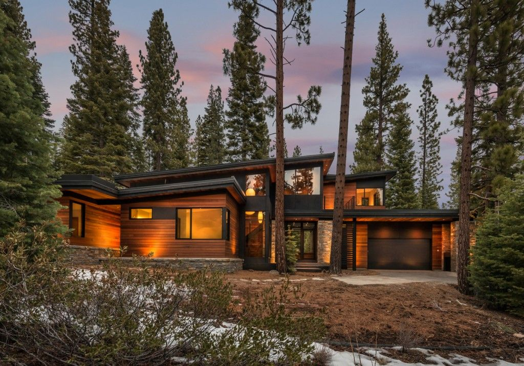 A new twist on prefab home design time to build don 39 t Modern mountain home plans
