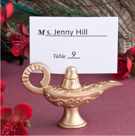 Aladdin's lamp placecard-holders from Weddingmomento.co.uk