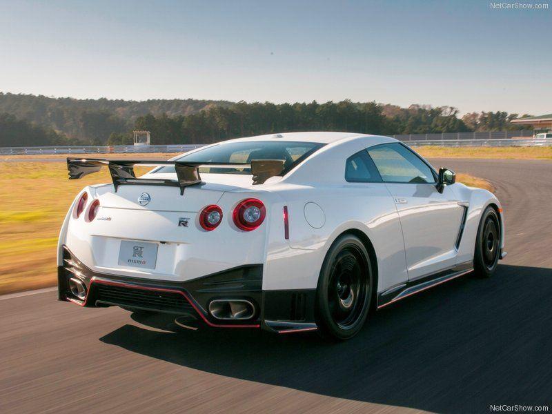 Nissa GT R 2015 Autos