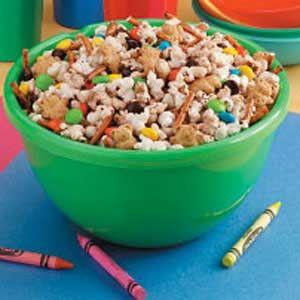 Sweet Popcorn Snack Mix