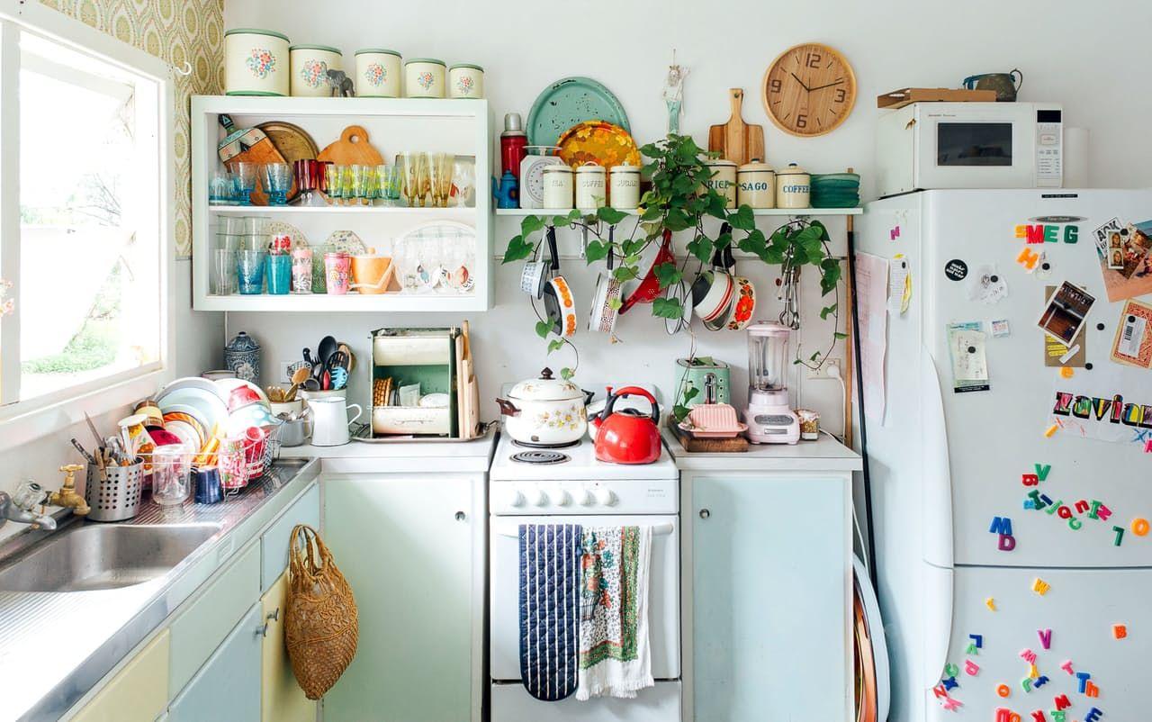 home tour boh me d coration originale boho cuisine couleur bleu frais pastel plante et. Black Bedroom Furniture Sets. Home Design Ideas