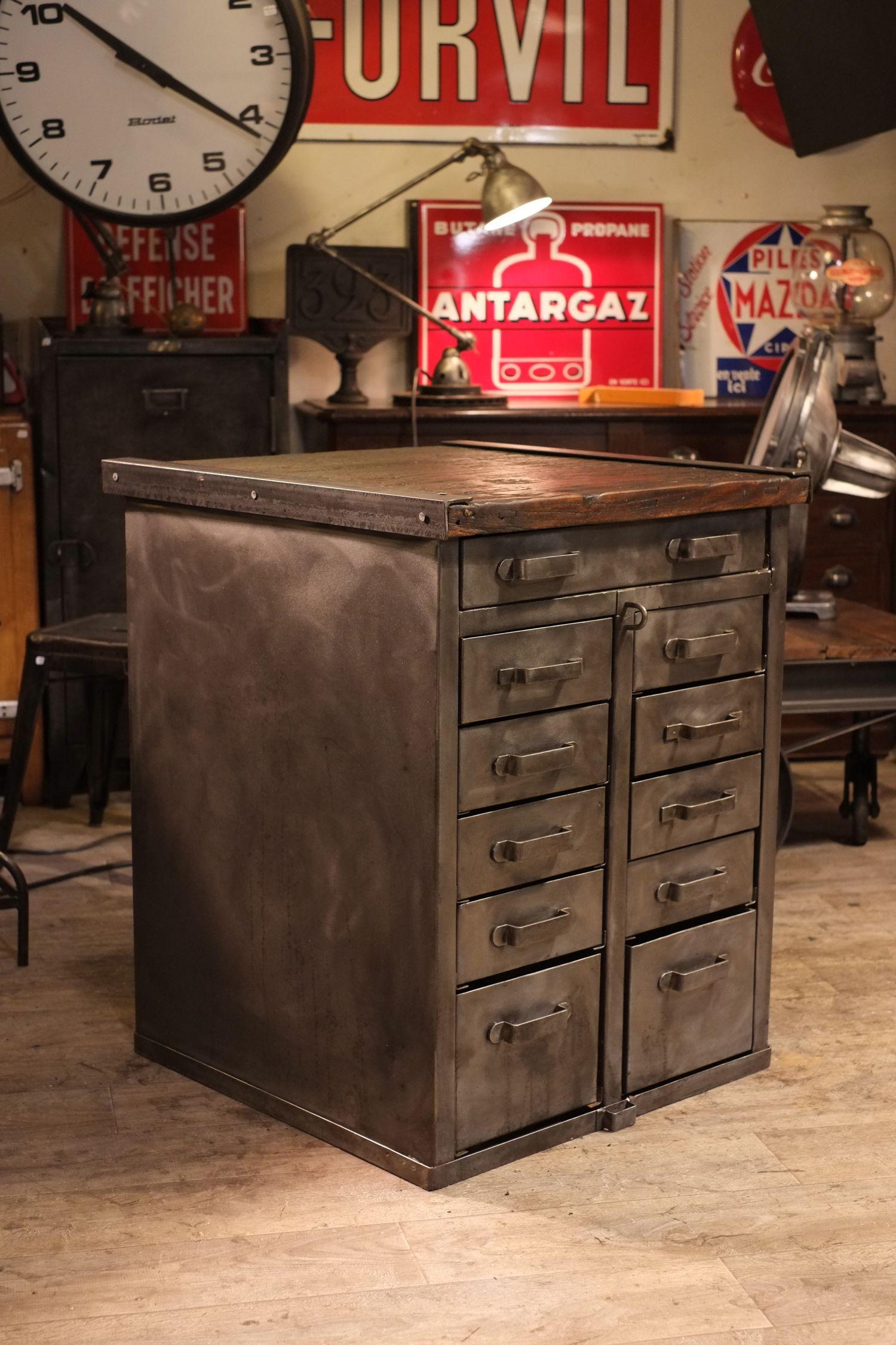 Meuble De Metier Ancien 11 Tiroirs Deco Loft Industrial Design Furniture Industrial Decor Industrial Style Decor
