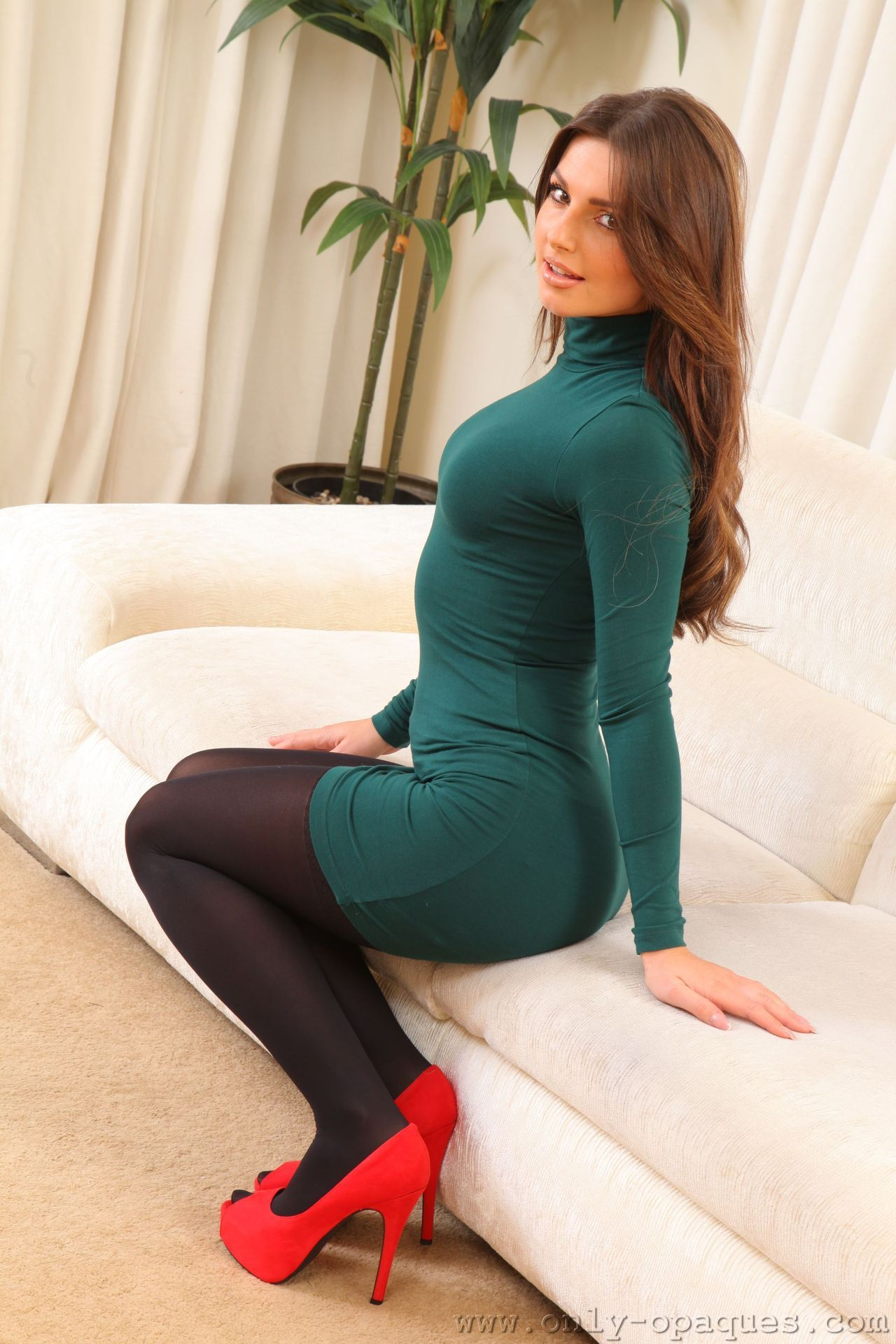 Girl with green sweater office sex