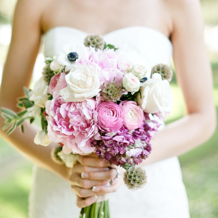 BOUQUET: If I have a bouquet, this one is pretty.  erinheartscourt-AMwed-blog-018