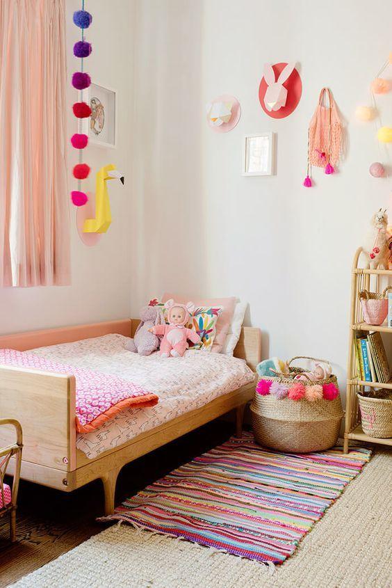 Ideen Für Mädchen Kinderzimmer Zur Einrichtung Und Dekoration. DIY Betten  Für Kinder. Mit Freundlicher