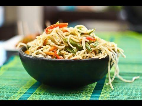 Vegetarian Hakka Noodles Chinese Chow Mein Recipe Food Recipes Vegetarian Recipes Mix Vegetable Recipe