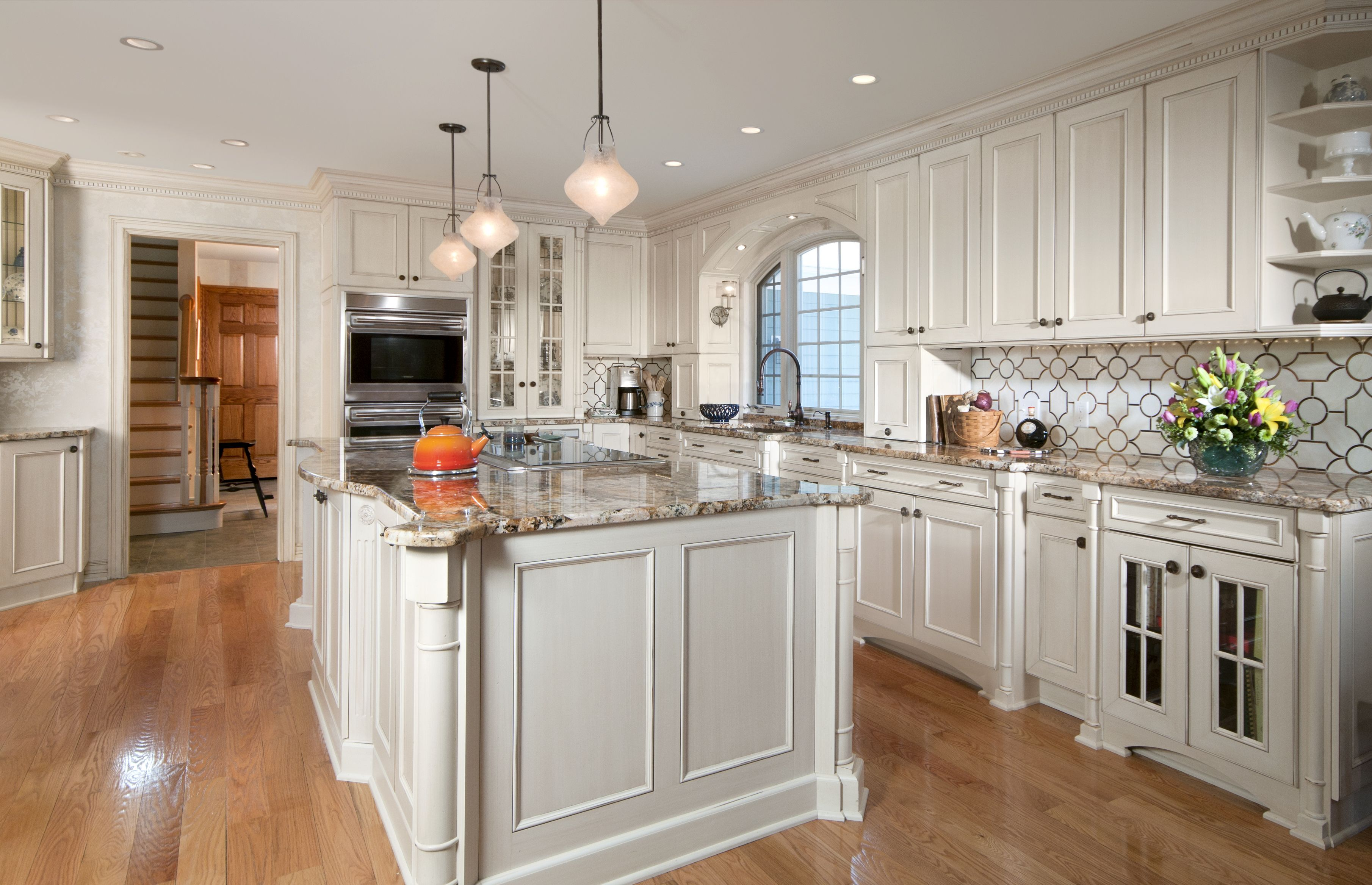 Since The Majority Of Kitchens Are Updated Every 16 Years Or More It Is Not Surprising Kitchen Design Decor Kitchen Redecorating Kitchen And Bath Remodeling