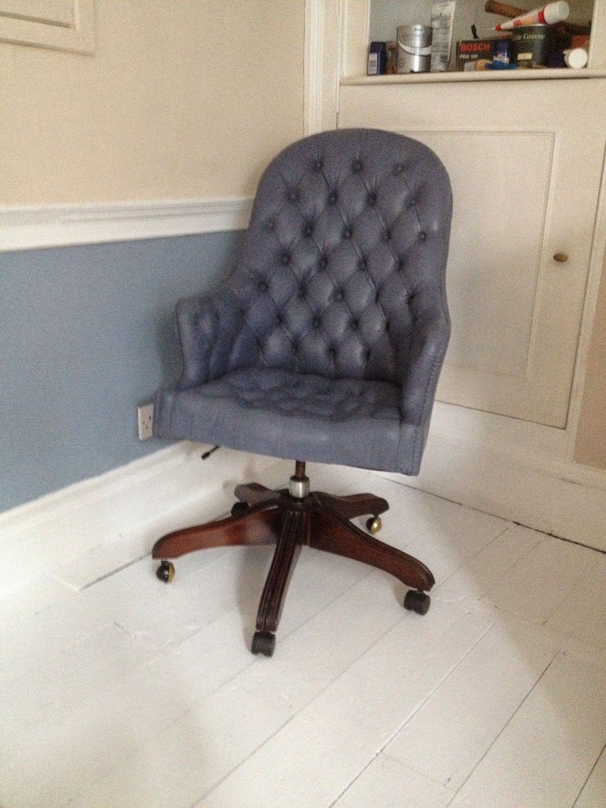 Painted leather office chair using Annie Sloan Old Violet