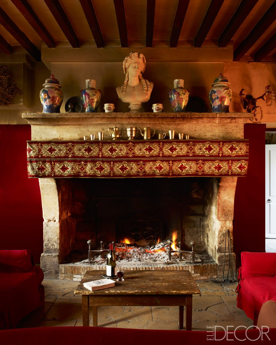 Tour Gerard Tremolets Home Elle Decor The Red Of The Wall