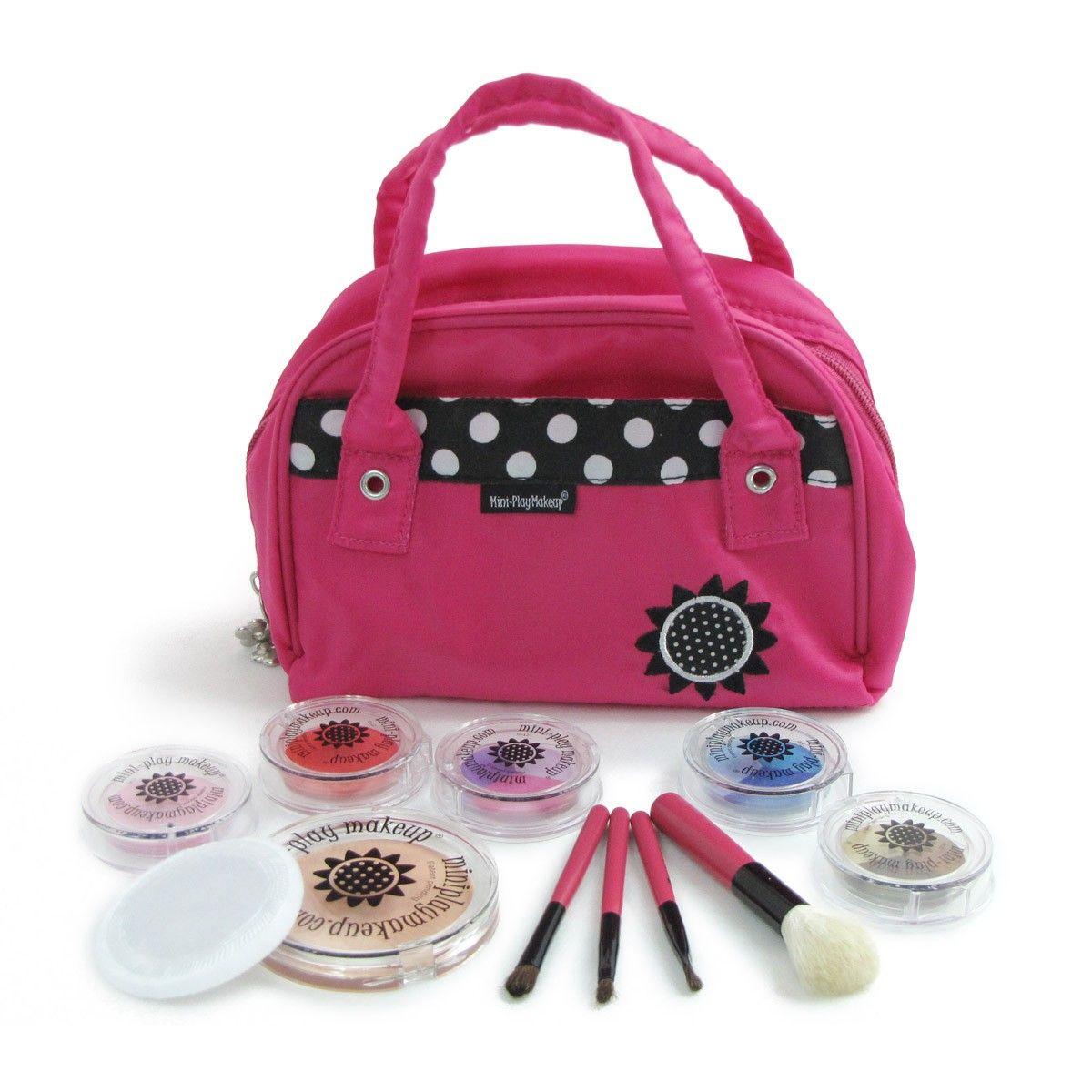 34.99 Deluxe Makeup Kit PINK Pretend makeup, Play