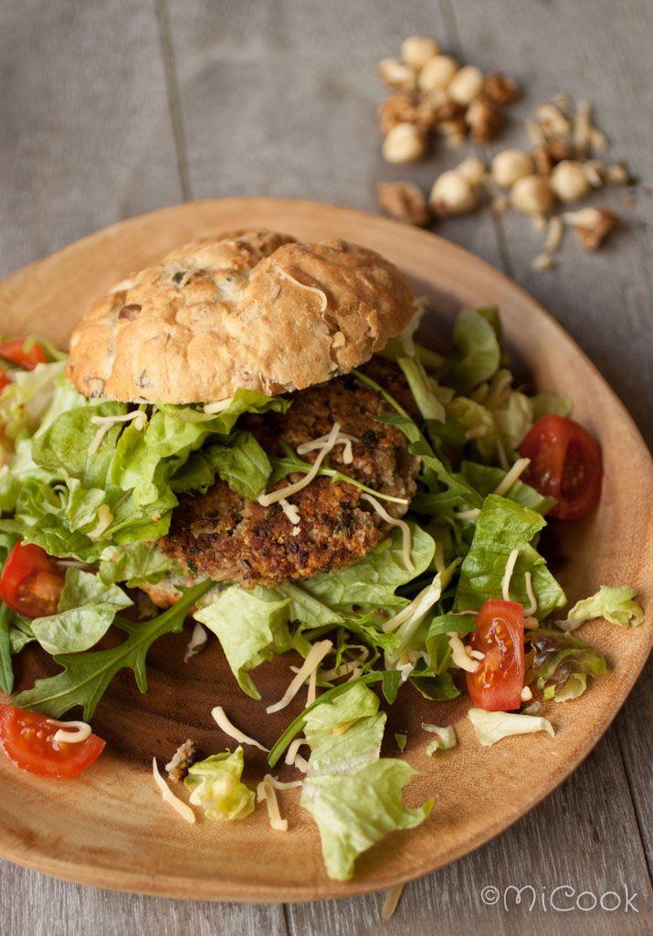 Notenburgers. Recept voor heerlijke notenburgers. Lekker als vleesvervanger of gewoon op een broodje!