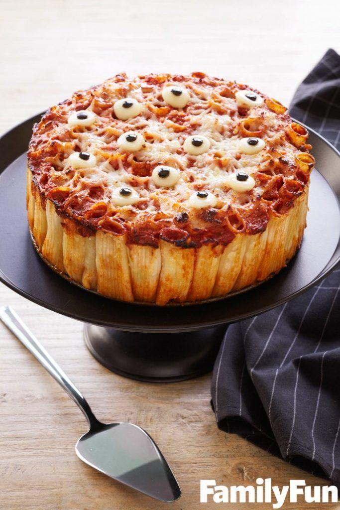 halloween-eyeball-pasta-pie creepyhalloweenfood
